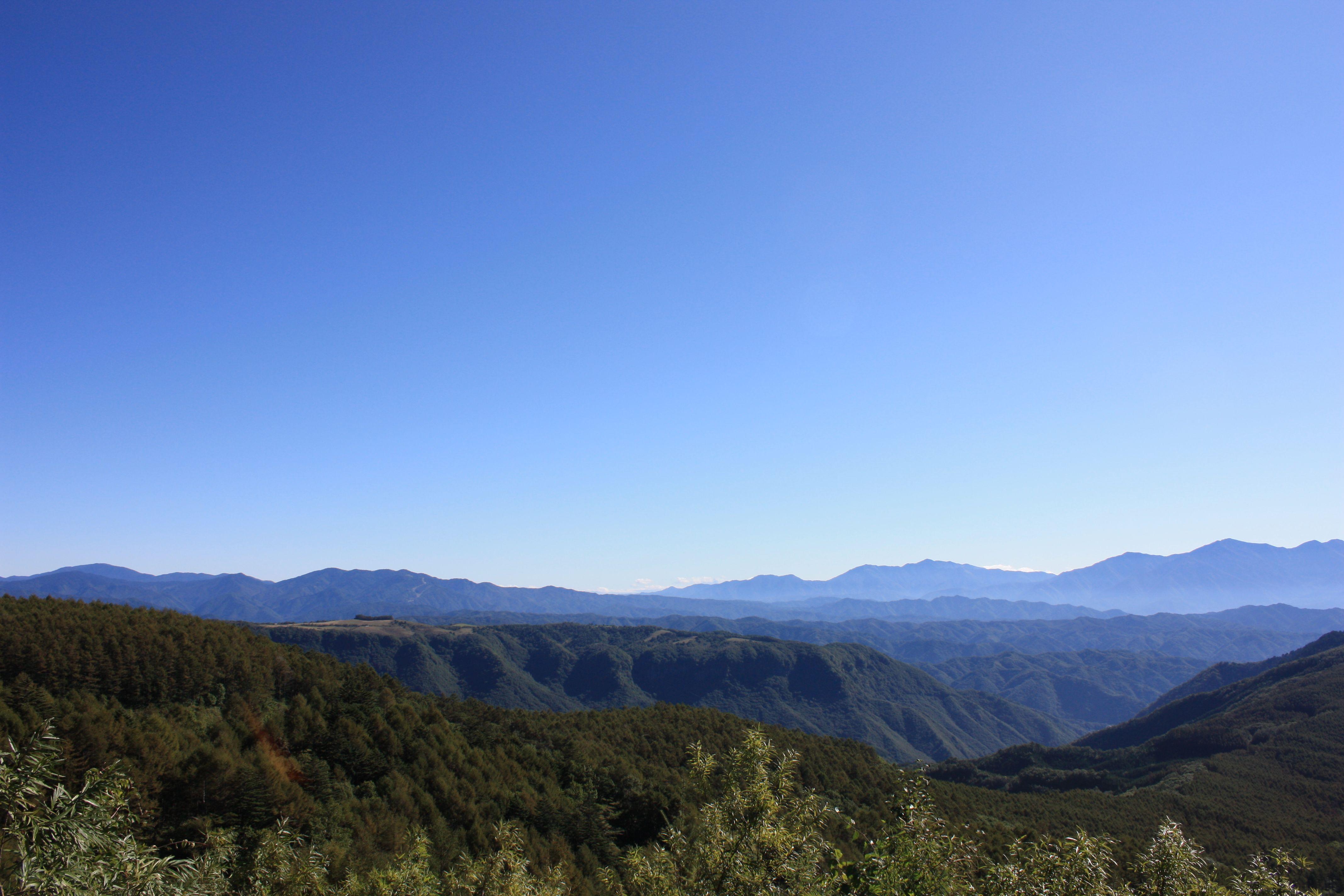 倉越高原を眺める.jpg