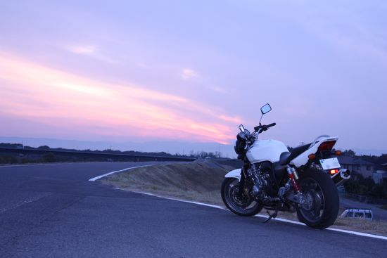 CB400SF_Revo_Sunset