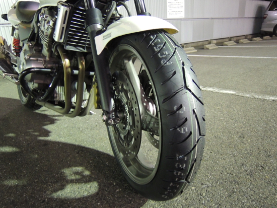 CB400SF_BATTLAX SPORT TOURING T30EVO_frong